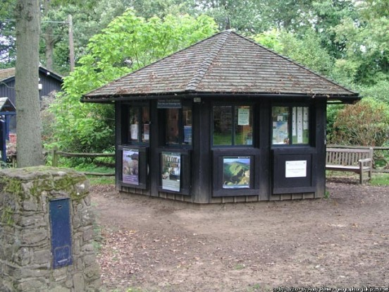 Ticket Kiosk, Winkworth Arboretum, surrey (Andy Potter)
